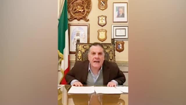 意大利市长咆哮痛骂无良商家:给口罩乱涨价 我由衷鄙视你!