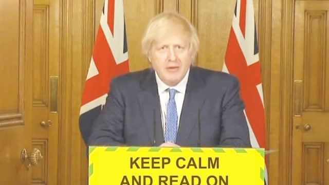 """英国首相鲍里斯直播时""""嘴瓢"""" 网友笑疯了"""