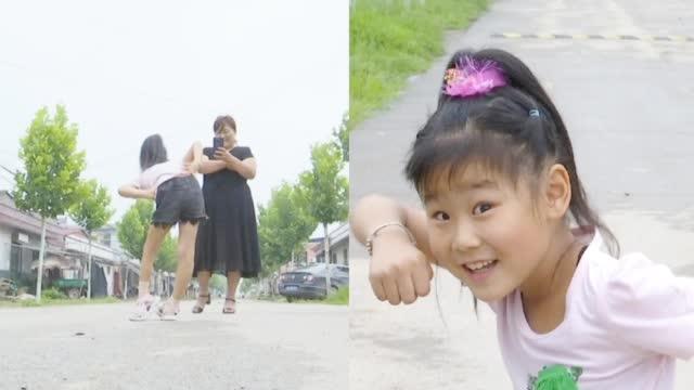 7岁女孩左脚变形坚持跳舞锻炼  乐观态度感染众人
