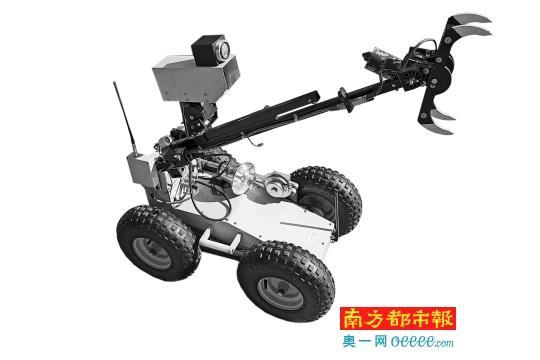 ←拆弹机械人:模块化描绘使得零件部件可倏地拆装。车身较小,可在大型机器人不克不及达到的地区停止操纵。今朝有700多台该系列机器人在国际上运用。