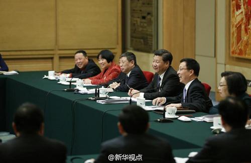 图为:2016年3月5日下午,中共中央总书记、国家主席、中央军委主席习近平来到他所在的十二届全国人大四次会议上海代表团参加审议。