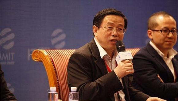 梅永红在中国IT领袖峰会主题论坛上。图片来源:南方都市报