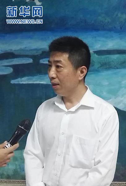 徐州市卫生计生委医政医管处处长孙劲松介绍调查组介入情况。