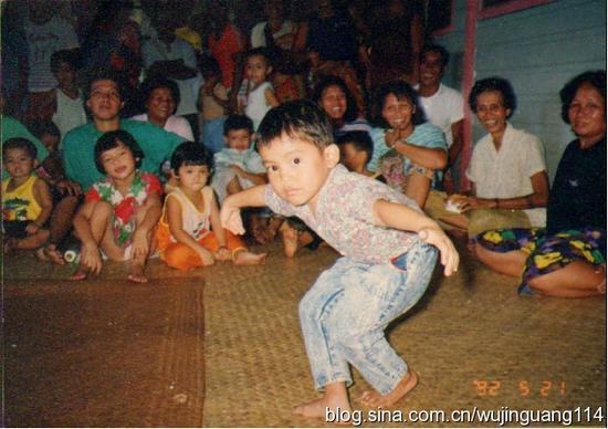 """各国少年朋友欢庆""""六一""""儿童节(图)"""