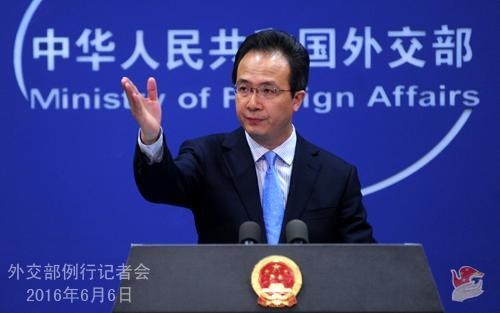 外交部发言人洪磊主持例行记者会。