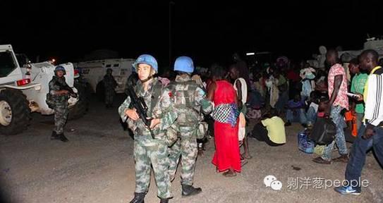 中国维和部队保护庇护点的难民(图片来自网络)