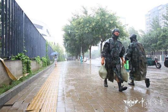 北京市房山区多地遭遇险情,第38集团军某工兵团迅速驰援