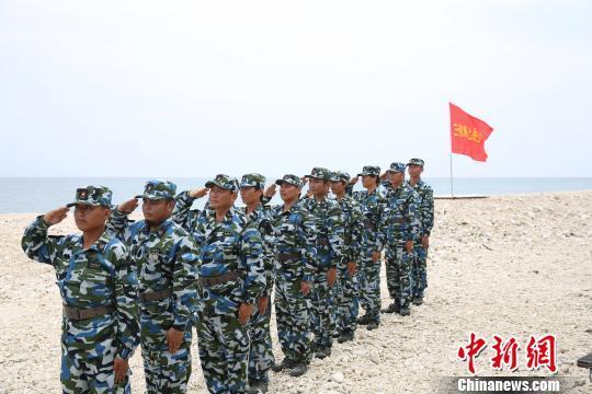 三沙警备区逐岛礁组织民兵训练。 农史善 摄