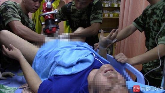 男子下体被强力磁铁夹4个多小时