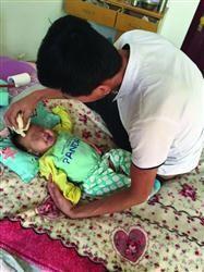 罗鸿锋将本人的四分之一肝脏捐给女儿。 家眷供图