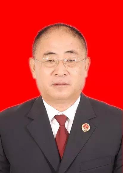 韩良民,另外2名公诉人是该院85后年轻检察官刘睿、杨光,2人都是公诉一处副处长。