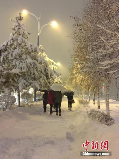 新疆塔城地区雪灾灾情持续 近5400人受灾