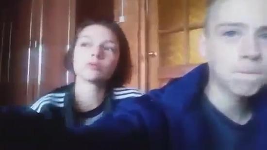 俄15岁情侣直播和警察枪战 随后双双自杀(图)
