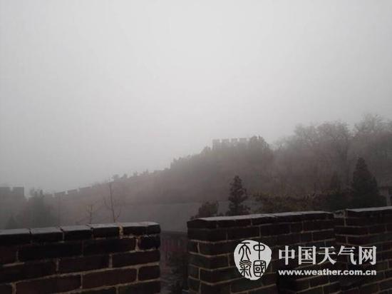 北京今夜初雪 周一早高峰将受严重影响