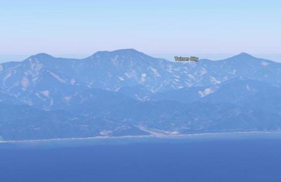 利用地图软件模拟生成的在台湾以东洋面远眺南大武山的画面