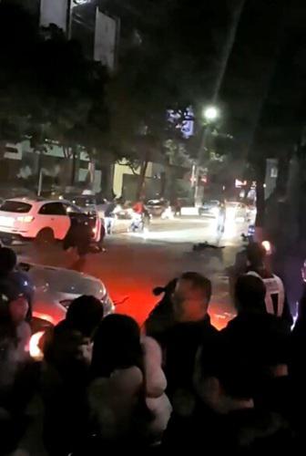 摩的司机因与豪车发生刮擦纠纷 捅死3人