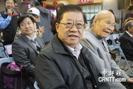 """台湾县市""""议员"""":特朗普上台会加速两岸统一"""