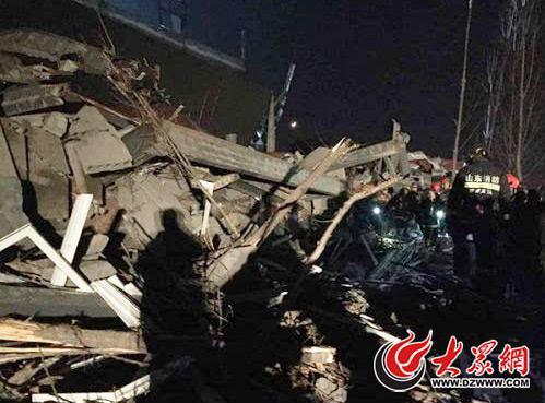 济南高新区1203厂房坍塌事变现场-材料图(图片起源:济南宣布)