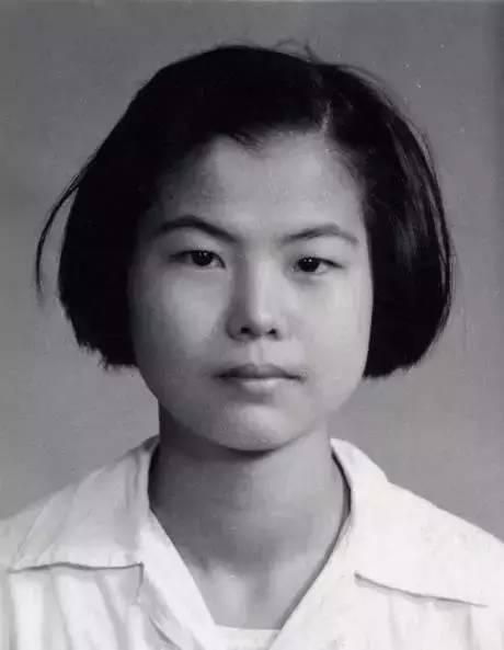 17岁时的樊锦诗