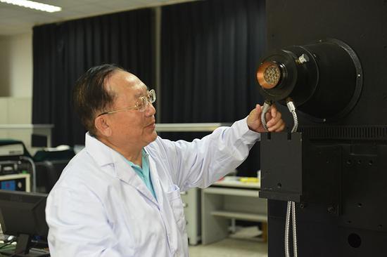 航天人胡国华: 新中国专利第一人