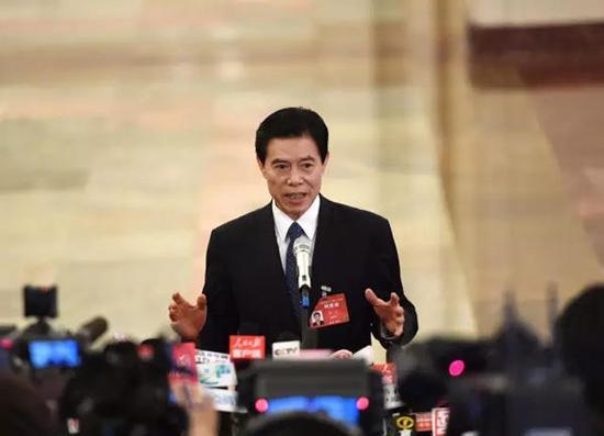当前,中国的对外贸易发展应当说是好的,对外贸易是拉动一国发展的重要力量,为我国经济发展作出了巨大贡献。