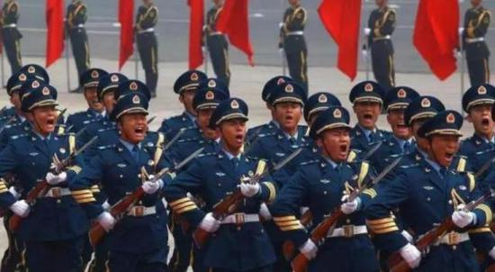 每年两会期间,外媒记者对中国的军费问题总是百问不厌。