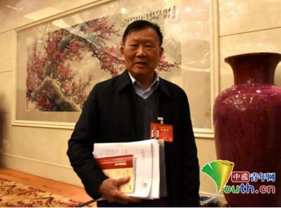 全国人大代表王梦恕。中国青年网记者 刘洪侠 摄