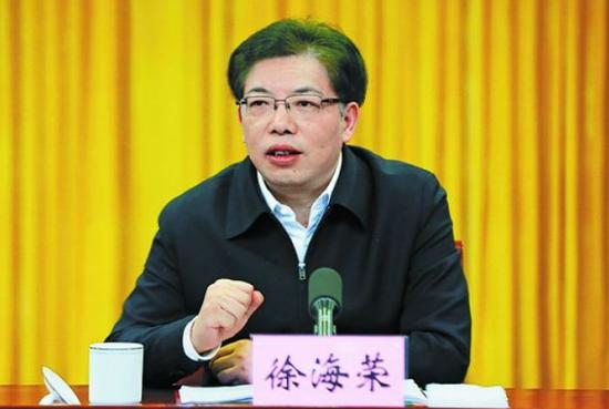 徐海荣任乌鲁木齐市委书记 李学军不再担任