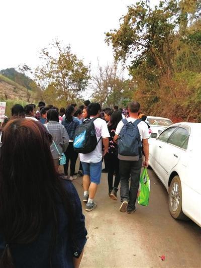 逃难的难民。(照片由受访者提供)