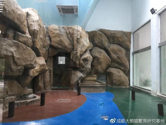成都动物园熊猫馆内舍