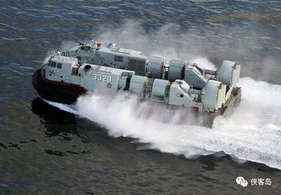野马726型气垫登陆艇