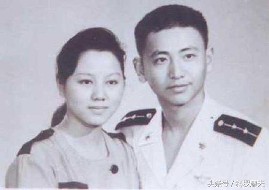 图片:王伟烈士和爱人阮国琴