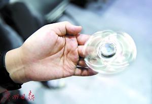 中国公司开发的这款指尖陀螺玩具风靡欧美。