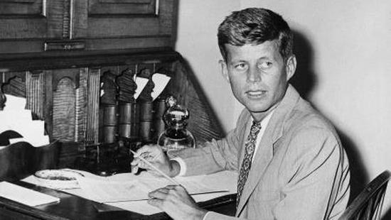 年轻时的约翰·肯尼迪