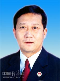 姜建初,男,汉族,1953年8月生,山东乳山人,1970年12月参加工作,兰州大学法律系民法专业毕业,研究生学历。