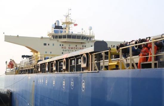 资料图:2017年4月11日,中缅原油管道工程宣告正式投入运行。 新华社记者庄北宁摄