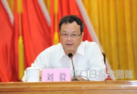 广东的小伙伴,对于刘毅的名字定然不会太陌生,他此前担任省委组织部副部长,经常宣布省内重要领导岗位的调整任命。