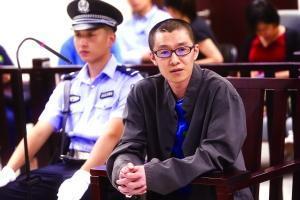 """</div> <p>  男子宋某醉酒后不顾他人劝阻,强行驾驶货车上路,故意撞向一辆减速待停的轿车,导致车内3人死亡1人受伤。庭上宋某不认罪,一再辩称案发时他清醒,还称是为了追赶""""持枪""""车辆才引发的事故。北京晨报记者昨天获悉,因构成以危险方法危害公共安全罪,宋某被北京市三中院一审判处死刑,缓期2年执行。</p> <p>  </p> <p>  法院经审理查明,宋某于2015年5月19日晚10时许,醉酒后驾驶轻型厢式货车搭载黎某、刘某沿顺义区顺平路由西向东行驶至行宫路口西侧时,在明知前方同车道内有车辆减速待停的情况下,不顾同车人的提醒和阻止,仍沿该车道驾车以每小时63.9至76.7公里的速度撞向前方被害人张某驾驶的白色起亚轿车,导致该车又与前方被害人贾某驾驶的黑色凌志轿车相撞,致使起亚轿车中的3人当场死亡,其中包括一名仅1岁大的幼儿。此外,还致使张某受伤,车辆毁损。事后经检验,宋某血液中酒精含量为每百毫升257.7毫克。</p> <p>  宋某现年33岁,案发前在顺义一家物流公司工作,同车的黎某、刘某是其同事,而三名遇难者分别为起亚司机张某的婆婆、丈夫和儿子。</p> <p>  </p> <p>  本案开庭时,宋某否认了检方指控。他在庭上辩称,事发前他与黎某、刘某一起吃饭到天黑,期间自己喝了约4瓶啤酒。宋某庭上说,当时他人是清醒的,完全能够控制自己。上了车后,他发现旁边一辆车上有枪支,便打了""""110""""报警。后他驾车调头追赶涉枪车,当其发现前面有车的时候,认为前车能从红绿灯通过,就没有踩刹车。宋某说,就这时黎某拽他的方向盘,还把他的眼镜、手机都碰掉了,同时黎某伸脚过来把他的脚从油门上踢过去,但黎某并没有去踩刹车,他也没法踩刹车了。</p> <p>  与前车发生碰撞后,他称自己记不起来事情了。""""我不清楚怎么下的车,再清醒时,头已经被简单包扎了,我听见有人报警,就在原地等候。""""总之我不知道前方车辆减速待停,也没有故意撞击前方车辆。""""</p> <p>  鉴于宋某当庭辩解,法庭决定通过网络视频对黎某进行询问,身在哈尔滨的黎某作证称,当时宋某喝完酒,他劝宋打车回去,不过宋并不听他的话,非得开车回去。黎某说,上车后因为担心,他还与宋某抢夺过一阵车钥匙,可他压根就没看见过宋某所说带着枪的车。""""他喝多了,完全是酒后发疯状态。""""</p> <p>  </p> <p>  法院经审理认为,宋某在公安机关多次供述均称,案发时其处于醉酒状态,不清楚案发经过,同车人黎某、刘某的证言也证明宋某酒后报警称发现持枪劫匪并驾车追赶系醉酒后行为,案发后民警对其进行呼气式酒精测试,显示其酒精含量高达每百毫升493毫克,血检显示其血液中酒精含量高达每百毫升257.7毫克,这些证据均与其当庭辩称酒后清醒,能够完全控制自己相矛盾。</p> <p>  其次,案发后宋某在公安机关、检察机关多次供述,均未提到黎某有干扰其驾车的行为,同车目击证人刘某也未提及此情节,宋某当庭辩称有此情节,但无法给出合理解释,且经当庭对质,黎某予以否认。法院认为,作为理性成年人,且与黎某无其他利害关系的情况下,宋某没有为黎某隐瞒的必要。</p> <p>  综合其他证据,法院认为宋某当庭供述和辩解与在案其他证据相冲突,且与事实不符,不予采信。</p> <p>  法院认为,宋某醉酒后不顾同车人劝阻,驾驶机动车在公共交通道路上故意撞击他人驾驶的车辆,危害公共安全,致3人死亡、1人轻伤,并造成他人财产损失的后果,其行为已构成以危险方法危害公共安全罪,犯罪性质恶劣,后果特别严重,社会危害性极大。故此,法院一审判处宋某死刑,缓期2年执行,剥夺政治权利终身。</p> <p>  北京晨报记者 黄晓宇</p>         <p class="""
