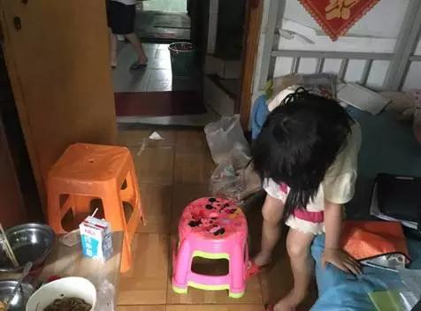 6岁的妹妹醒来了,去上了个厕所,量了下温度,还有38度多。