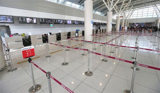 曾经挤满游客的济州国际机场国际航线出境大厅变得冷冷清清。