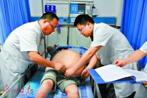 阿凤体内的肿瘤重达68斤