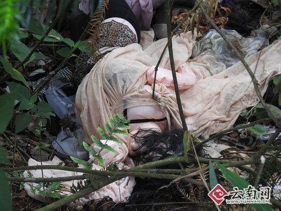 所谓的女尸只是一个充气娃娃