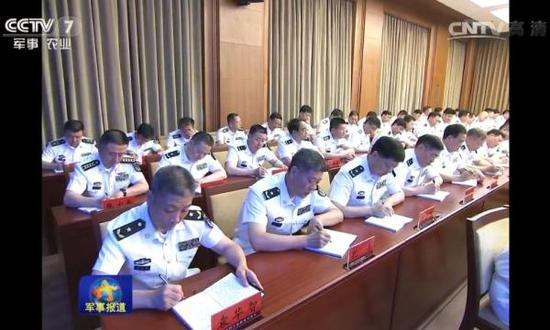 央视军事频道5月24日晚间《军事报道》视频画面。