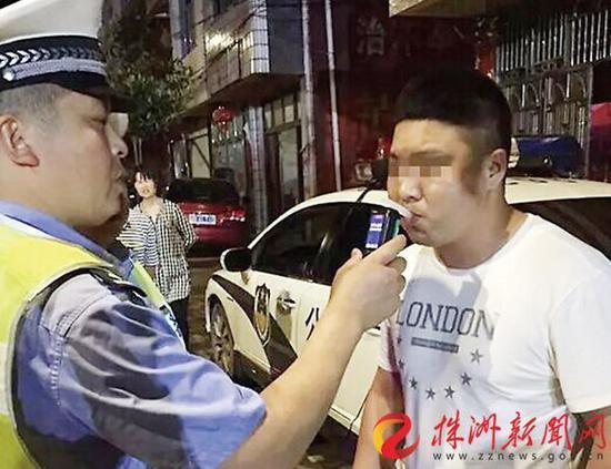 嫌疑人张某酒驾被查