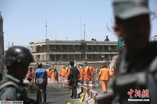 阿富汗首都一场葬礼上发生爆炸 至少12人死亡