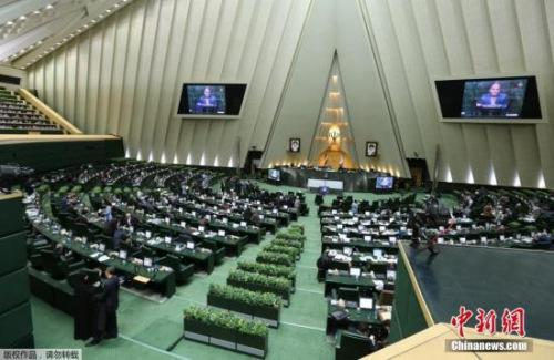 外媒:IS称对伊朗议会大楼和霍梅尼陵墓袭击负责
