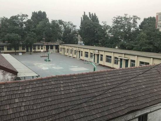 半截塔小学校舍及操场