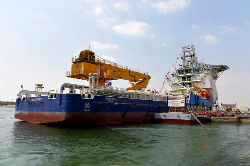 资料图:中国平台供应船成功进入埃及市场 新华社记者赵丁�瓷�
