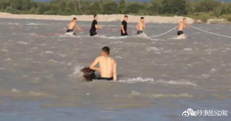 21岁辅警为救轻生女子落水牺牲 女子获救