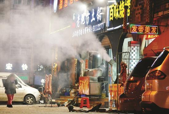 餐饮油烟太扰民 上海两区试点第三方平台监管
